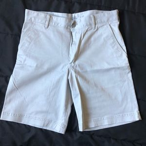 IZOD casual shorts/ light gray!